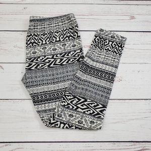 Pink Republic Tribal Print Design Leggings Size L